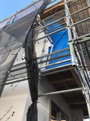 建築中の台風対策バルコニーの防水