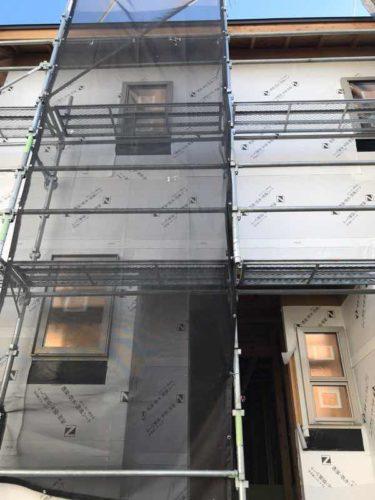 建築中の台風対策透湿防水防風シート